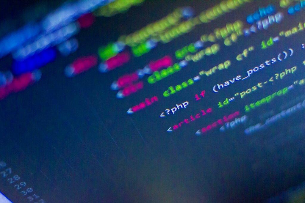 WordPress(CMS)はHTMLのWebサイトと何が違う?